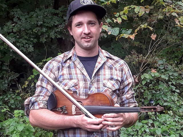 photo of fiddle instructor Joe Burdock